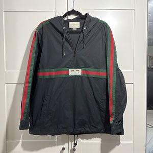Authentic Gucci windbreaker jacket Size men's 46 = women's 34 /small